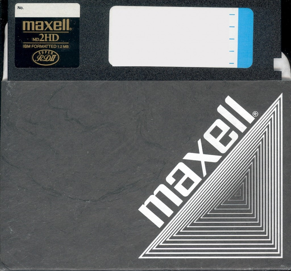 19 Maxell Diskette 사진